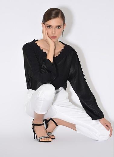 Tuba Ergin Beyaz Pantolon Beyaz